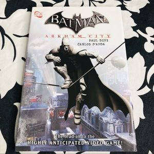 Batman: Arkham City by Paul Dini (Hardback)